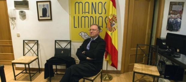 Miguel Bernad, líder de Manos Limpias.