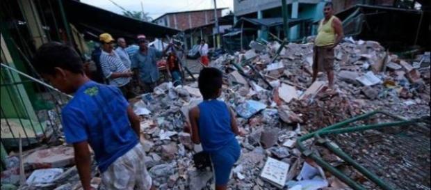 Szkody wywołane trzęsieniem ziemi w Ekwadorze