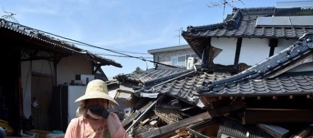 Terremotos matam mais de 40 pessoas em dois dias