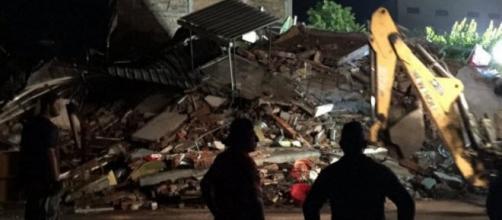 Macerie dopo il terremoto in Ecuador