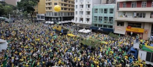 Protestos ocorrem hoje por todo o Brasil.