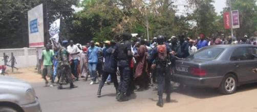 The riot police and military forcefully disperse protesters / Sainey Marenah, Diasporium News