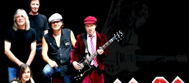 AC/DC îşi ia alt vocalist, pe Axl Rose