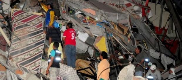 Presidente confirmou ao menos 233 mortes provocadas pelo terremoto