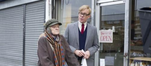 Escena de 'The lady in the van' con Maggie Smith y Alex Jennings.