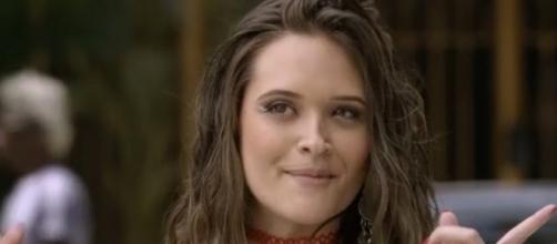 Juliana Paiva é Cassandra em 'Totalmente Demais'