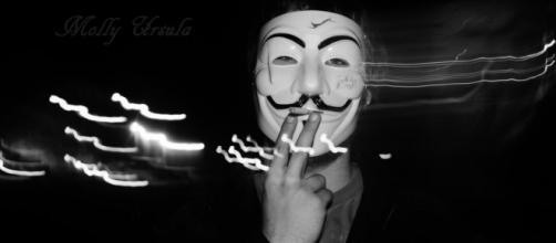 Los hacktivistas acostumbran cargar contra sociedades de extremistas
