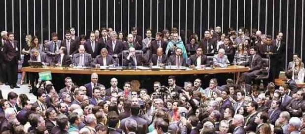Câmara dos Deputados durante votação no último domingo