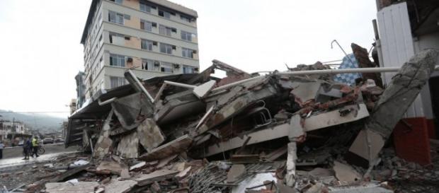 Imágenes del terrible terremoto que afecto a Ecuador.