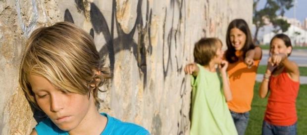 Joven víctima de acoso escolar