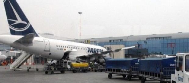 O aeronavă Tarom a aterizat de urgență la Timișoara