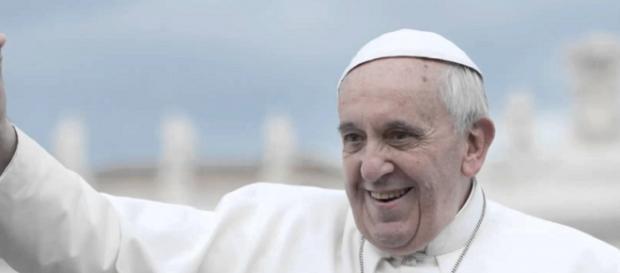 Papa Francesco è andato in Grecia per trovare i rifugiati