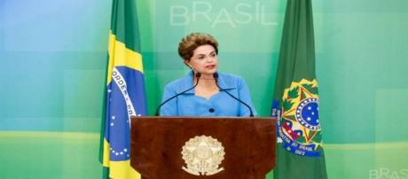 Dilma Rousseff faz pronunciamento para imprensa