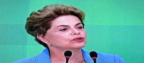 Dilma se diz vítima de injustiça e parte para o ataque