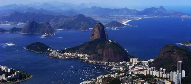 Imagem panorâmica da Baía de Guanabara