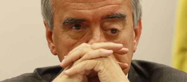 Nestor Cerveró implica o ex-presidente Lula no esquema de corrupção da Petrobrás.