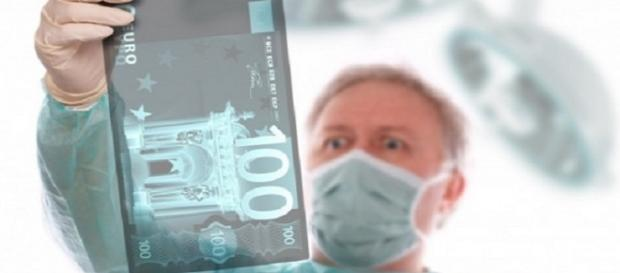 Un medic șpăgar a fost condamnat la închisoare