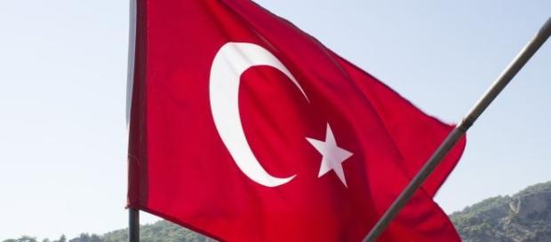 Unia Europejska znosi wizy dla Turków