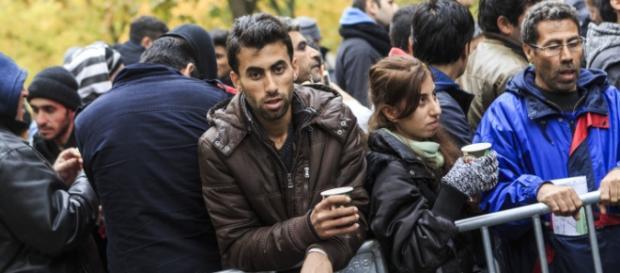 Imigranți care vor să locuiască în Europa