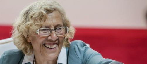 Manuela Carmena, alcaldesa de Madrid y sus polémicas normativas pueden costar 12 mil empleos.