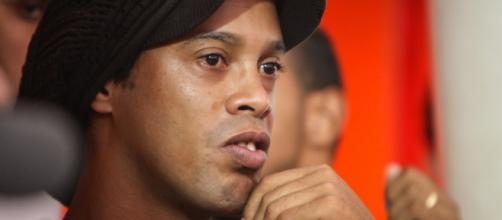 Ronaldinho ainda quer voltar ao futebol. Sua última tentativa foi o Corinthians (Divulgação/Atlético-MG)