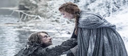 Sansa y Theon escapan juntos de Invernalia