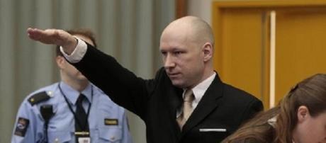 Il saluto nazista in tribunale
