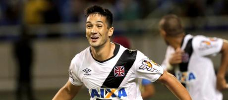 Luan, zagueiro do Vasco, teve interesse do Palmeiras.