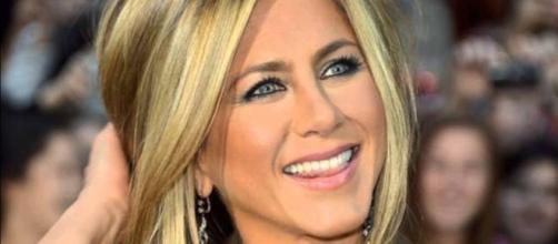 Jennifer Aniston é eleita a mulher mais bonita do mundo por revista norte-americana
