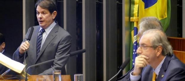 Cid foi absolvido de pagar indenização a Cunha