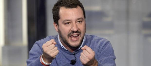 Matteo Salvini promette soldi, mezzi e dignità alle Forze di Polizia.