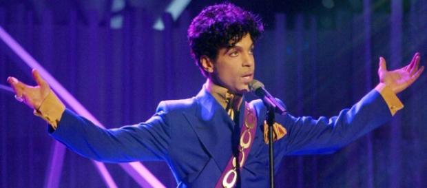 Prince, un altro pezzo di storia della musica che se ne va