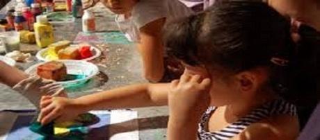 Bambini maltrattati da una maestra a Rimini
