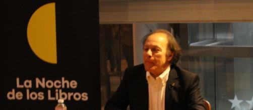 Javier Marías durante la firma de libros.