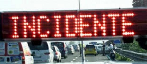 Calabria, incidente sulla ss 106, a Crotone