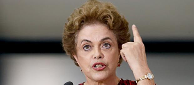 Presidente Dilma Rousseff rebate ministros do STF que negaram a existência de golpe no seu processo de impeachment.