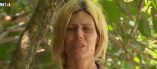Gossip news Isola dei Famosi 2016: Paola ha bestemmiato?