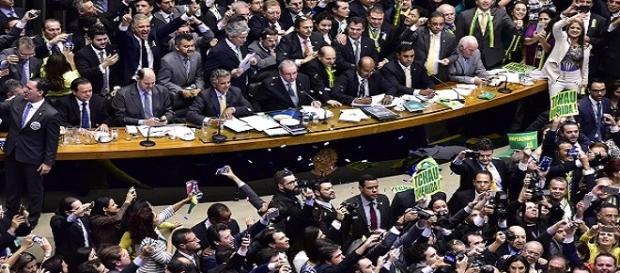 Deputados votam o impedimento de Dilma Rousseff