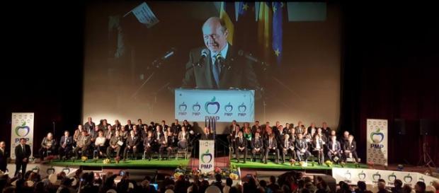Traian Băsescu renunță la candidatură. Foto: Facebook
