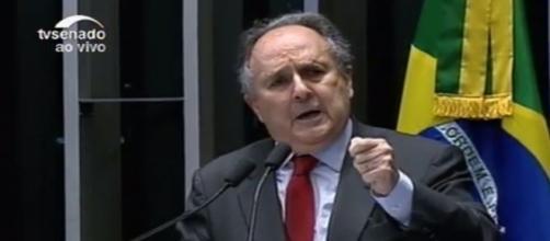 Senador Cristovam Buarque votou a favor do impeachment