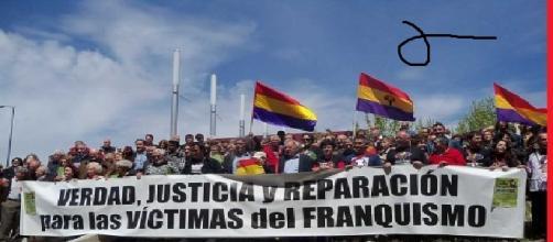 Manifestación reclamando justicia para las víctimas.