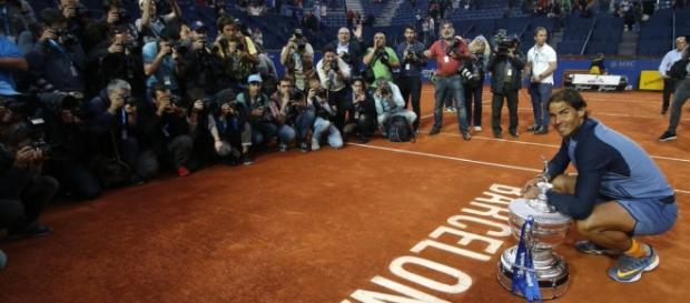 El tenista español posa para los medios después de ganar su último trofeo