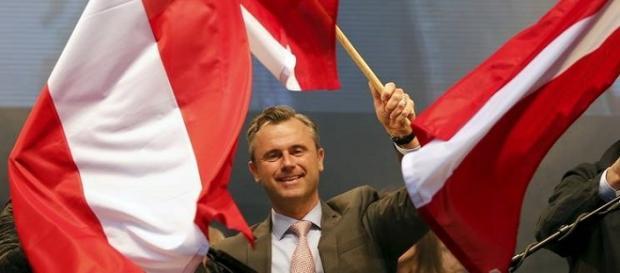 Il partito di Norbert Hofer spicca alle presidenziali