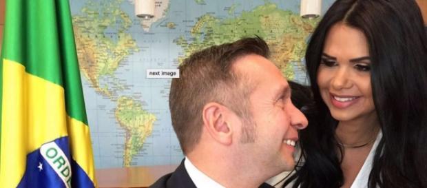 Milena Santos ao lado de seu esposo, Alessandro Teixeira, Ministro do Turismo.