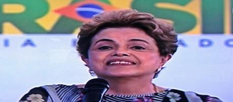 """Dilma em Salvador: """"quem me julga é corrupto"""""""