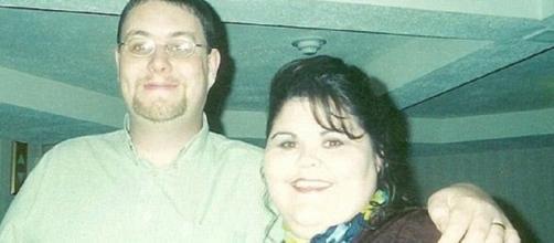 O casal se conheceu através de um site da internet
