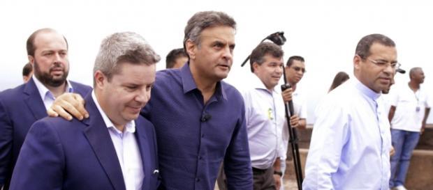 Antonio Anastasia com o senador Aécio Neves