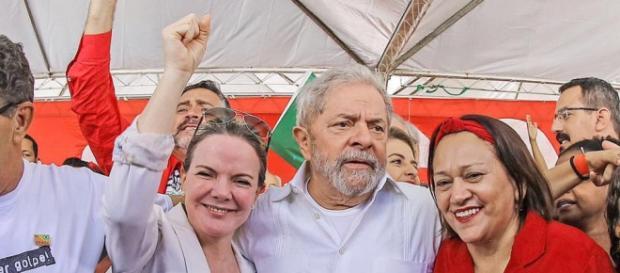Gleisi Hoffmann com o presidente Lula