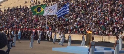A cien días de los JJOO de Rio, la llama olímpica pasó a manos de Brasil