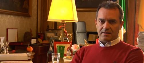 Sondaggi politici fine aprile Napoli Milano e Roma